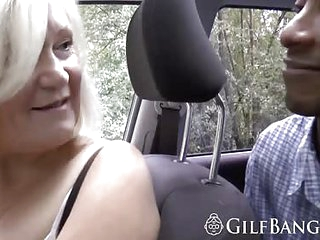 Blonde GILF wants to fuck in threesome