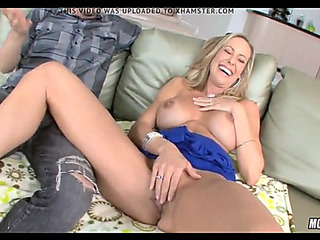 Super hawt blond cougar goes juvenile