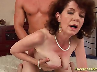 extreme hairy mom fucked