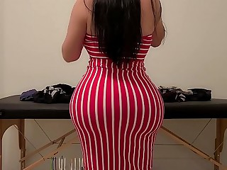 OMG my Big Ass Busty MILF Step Mom looks so HOT while Folding Laundry! I had to Fuck her Fat Pussy
