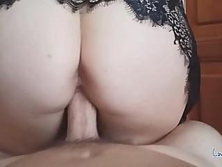Big Tits Amateur Mom ridding dick until cum on her Ass