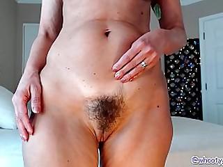 Jess Ryan Hot Mom Shaking Twerking Ass