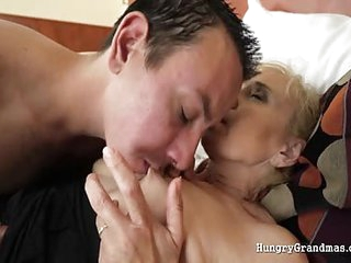Old mature in fishnet loves dick
