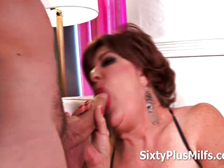 1 Mature Woman Fucked by Young Guy