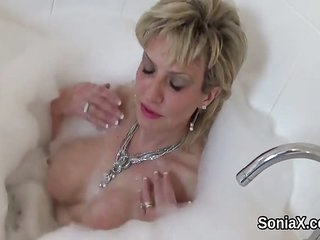 Unfaithful uk mature gill ellis flashes her big