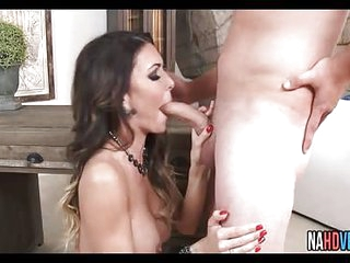 Big Tits Babe MILF With Long Young Cock Jessica Jaymes